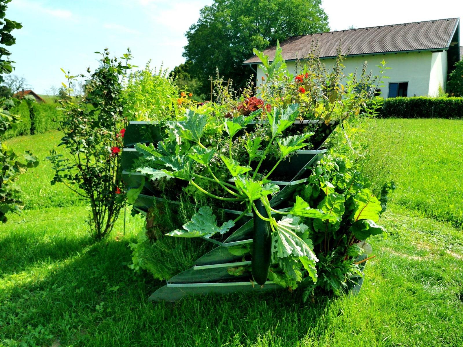 avantgarden-hochbeet-aus-metall-bepflanzt