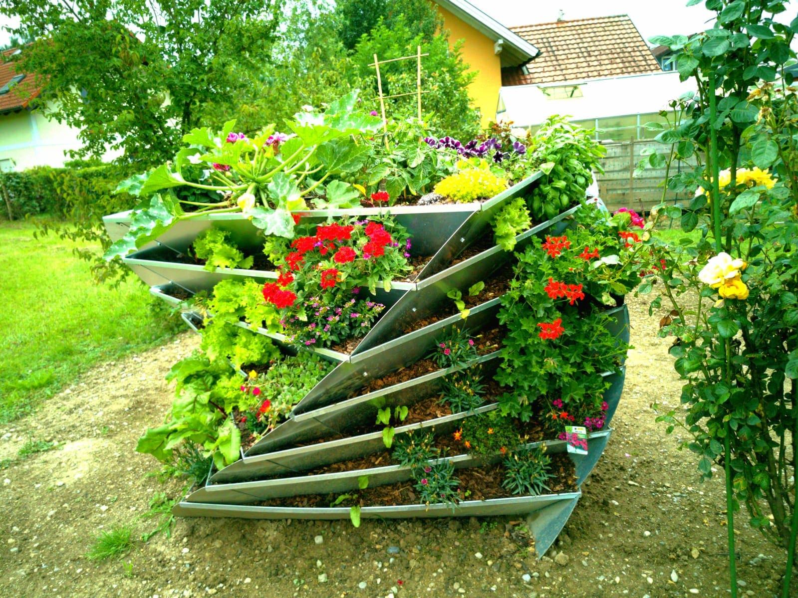 avantgarden-hochbeet-verzinkt-bepflanzt
